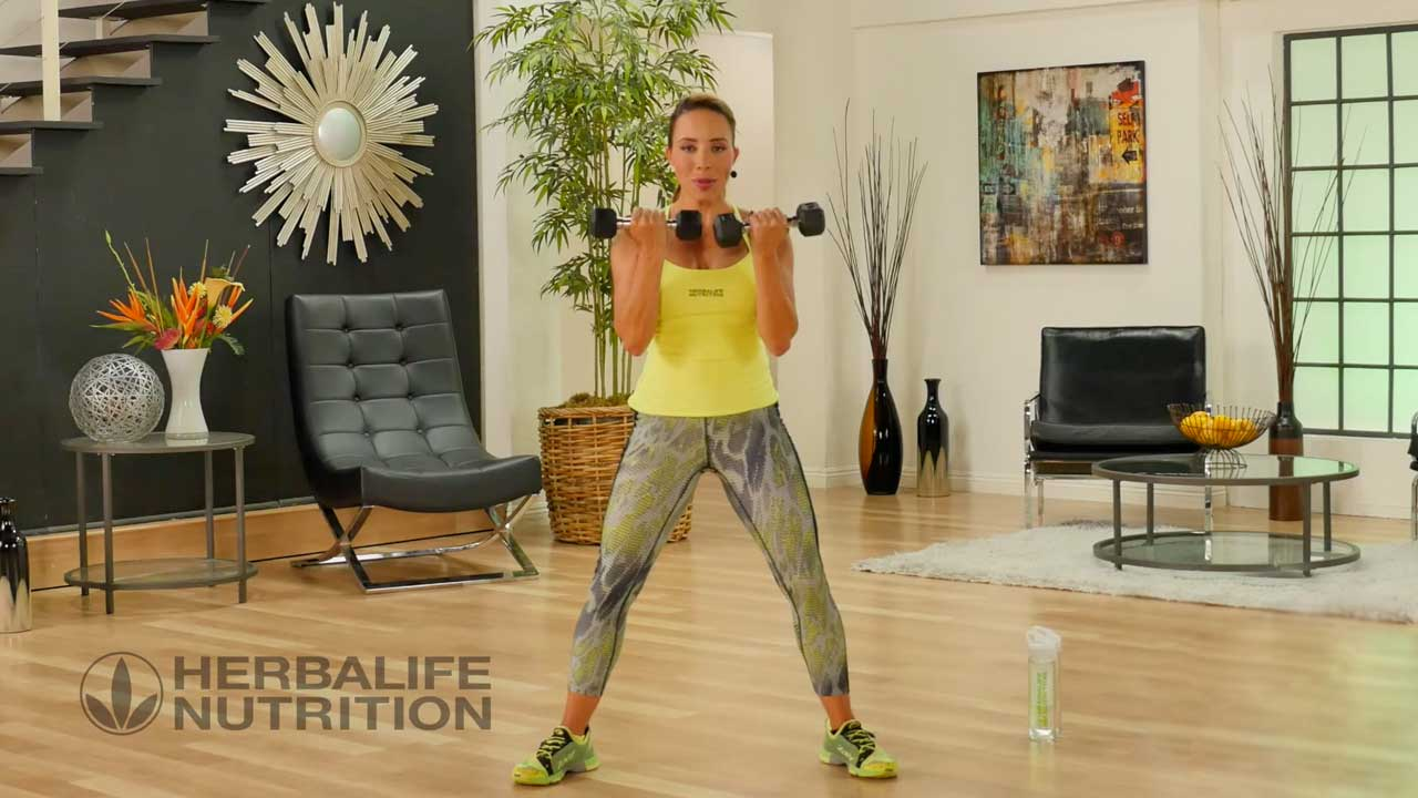 Herablife fitness Portal Samantha Clayton making exercise at home